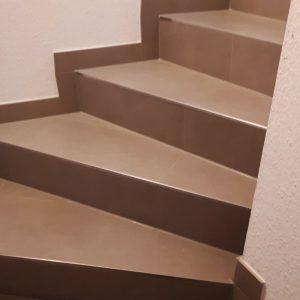 Halbgewendete U-Treppe